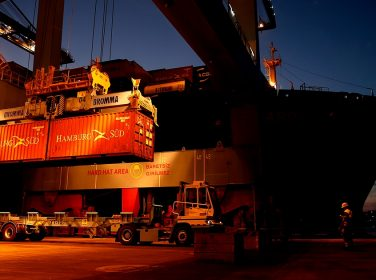 Türk limanlarında 'elleçleme' arttı